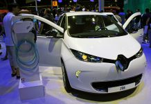 biały Renault Zoe