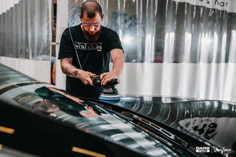 Auto detailing – sposób na odzyskanie pięknego samochodu