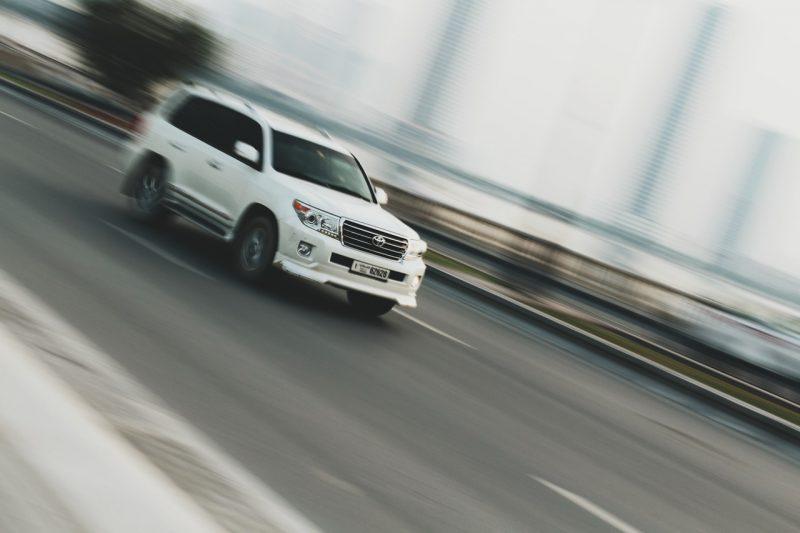 Wyjazd na wakacje własnym samochodem? – zadbaj o najwyższy komfort i bezpieczeństwo!