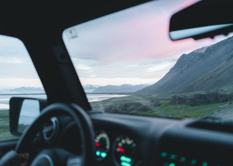 Sprawdzanie samochodu – oznaczenia szyb samochodowych