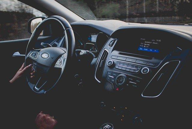 Dekoder VIN – co to jest i jak może Ci pomóc przy zakupie samochodu używanego?