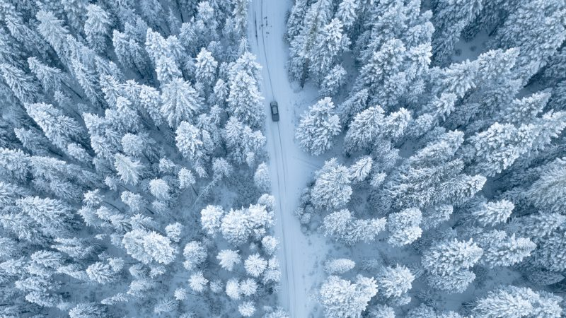 Wyjeżdżasz samochodem na narty do Austrii? Koniecznie odpowiednio go przygotuj!